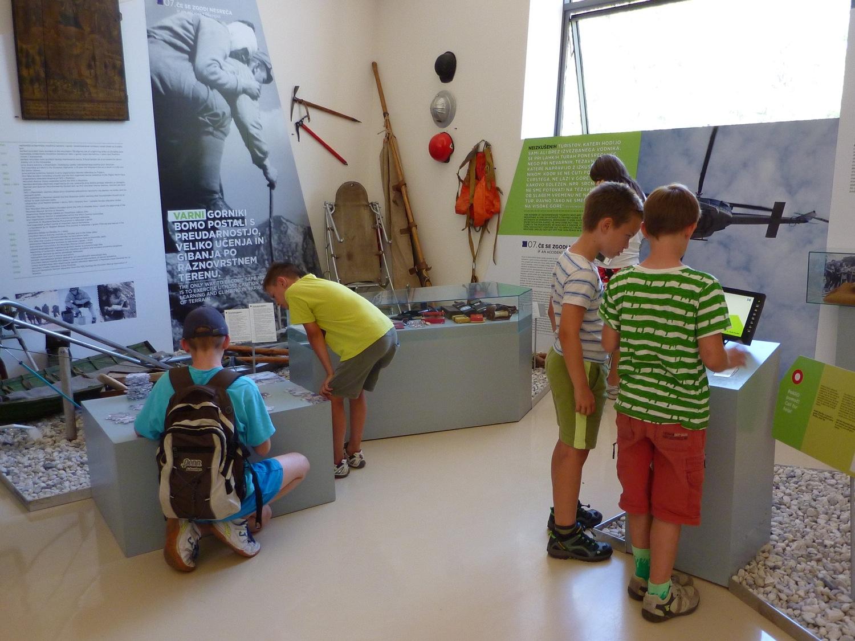V Slovenskem planinskem muzeju v Mojstrani.