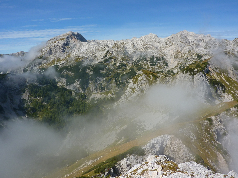 Debeli vrh z Jezerskega Stoga