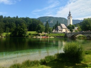Bohinjsko_jezero_2014-tabor